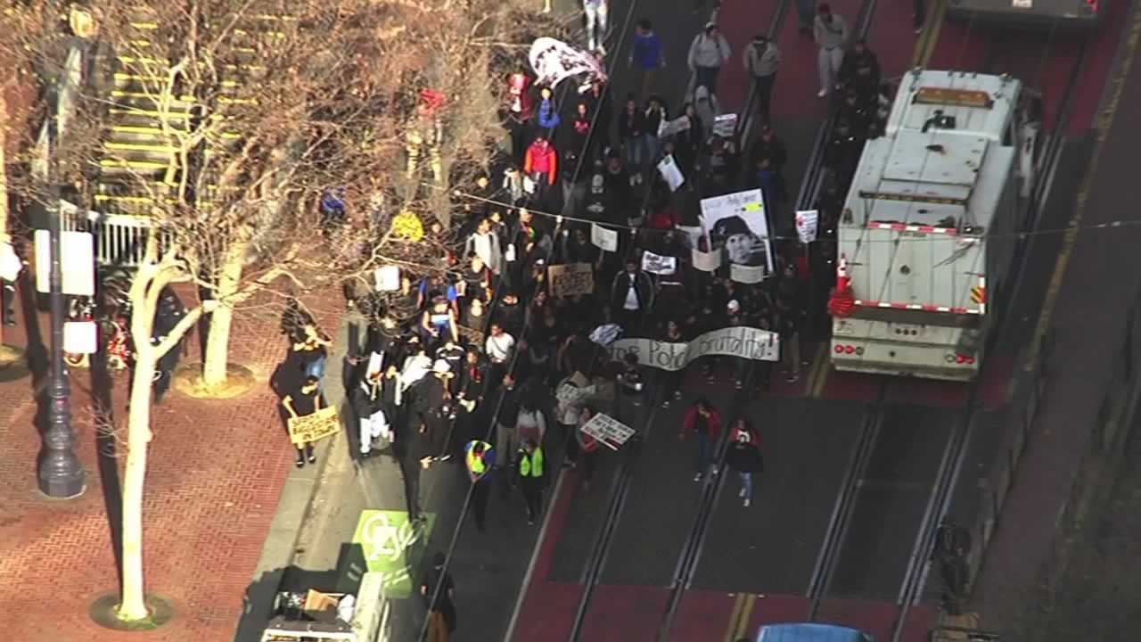 """<div class=""""meta image-caption""""><div class=""""origin-logo origin-image none""""><span>none</span></div><span class=""""caption-text"""">Demonstrators protesting the fatal shooting death of Mario Woods by multiple officers marched through downtown San Francisco on Friday, December 11, 2015. (KGO-TV)</span></div>"""