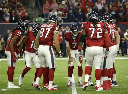 """<div class=""""meta image-caption""""><div class=""""origin-logo origin-image none""""><span>none</span></div><span class=""""caption-text"""">Houston Texans' Brian Hoyer (7) leads the huddle during the first half of an NFL football game (AP Photo/ David J. Phillip)</span></div>"""