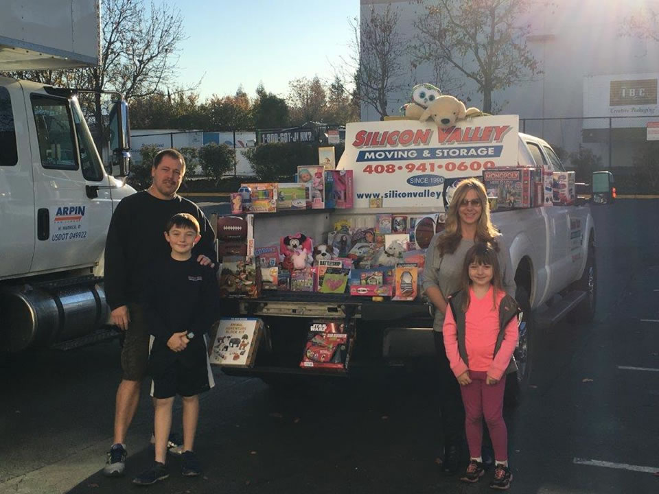 "<div class=""meta image-caption""><div class=""origin-logo origin-image none""><span>none</span></div><span class=""caption-text"">In this December 2015 photo, 10-year-old Joey Childs and his family pose with toys he's collected for the Marine Corps' Toys for Tots campaign in Willow Glen, Calif. (KGO-TV)</span></div>"
