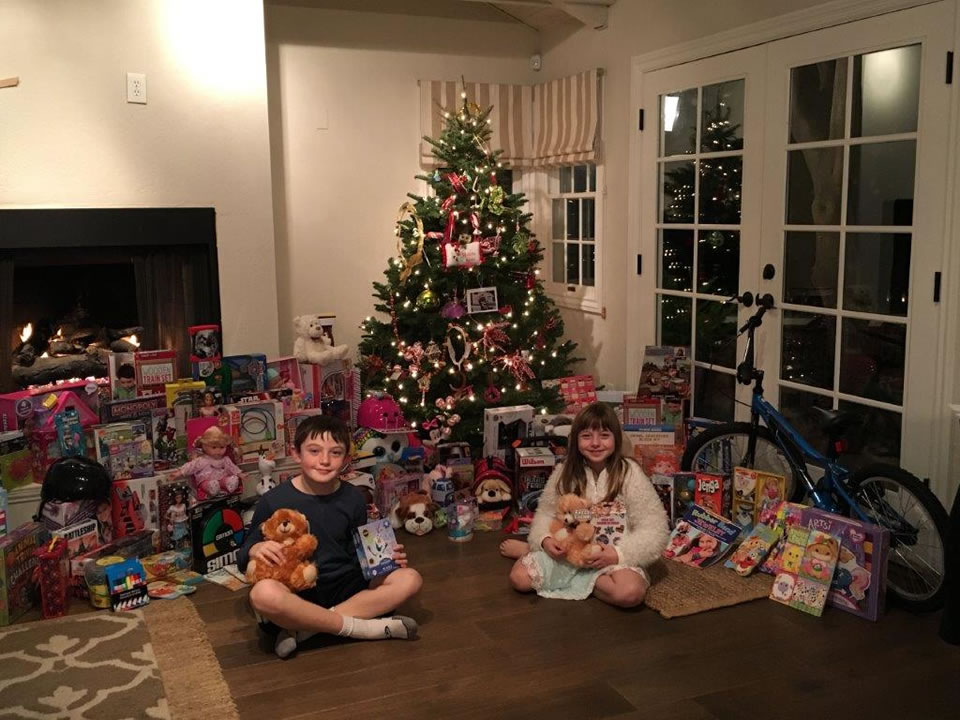 "<div class=""meta image-caption""><div class=""origin-logo origin-image none""><span>none</span></div><span class=""caption-text"">In this December 2015 photo, 10-year-old Joey Childs and his sister pose with toys he's collected for the Marine Corps' Toys for Tots campaign in San Jose, Calif. (KGO-TV)</span></div>"