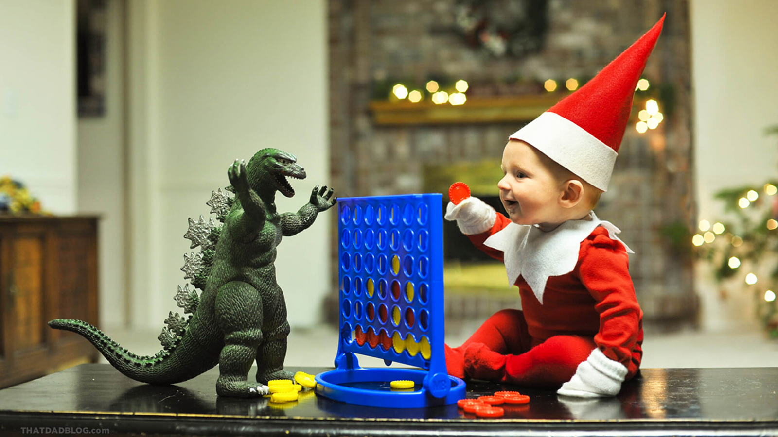 1132120 122215 babble Elf on shelf connect four 3