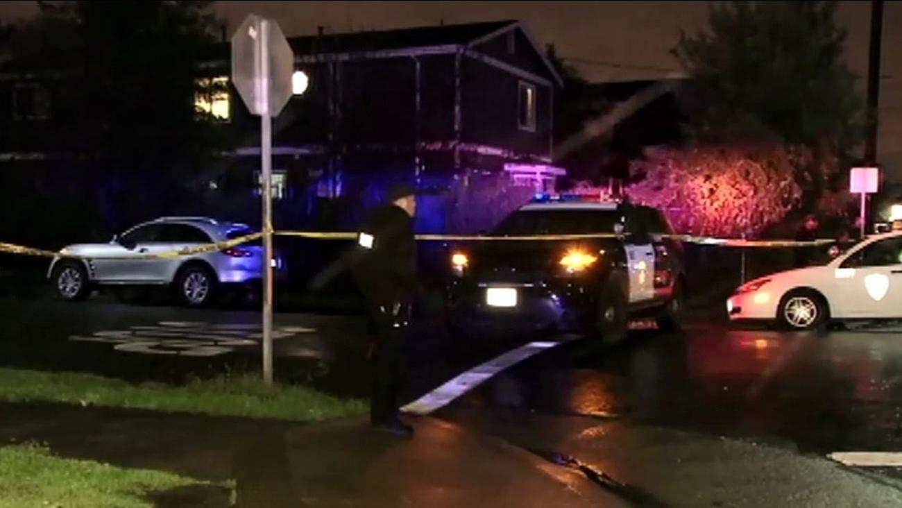 851 32nd Street of Oakland where a teen and man were shot