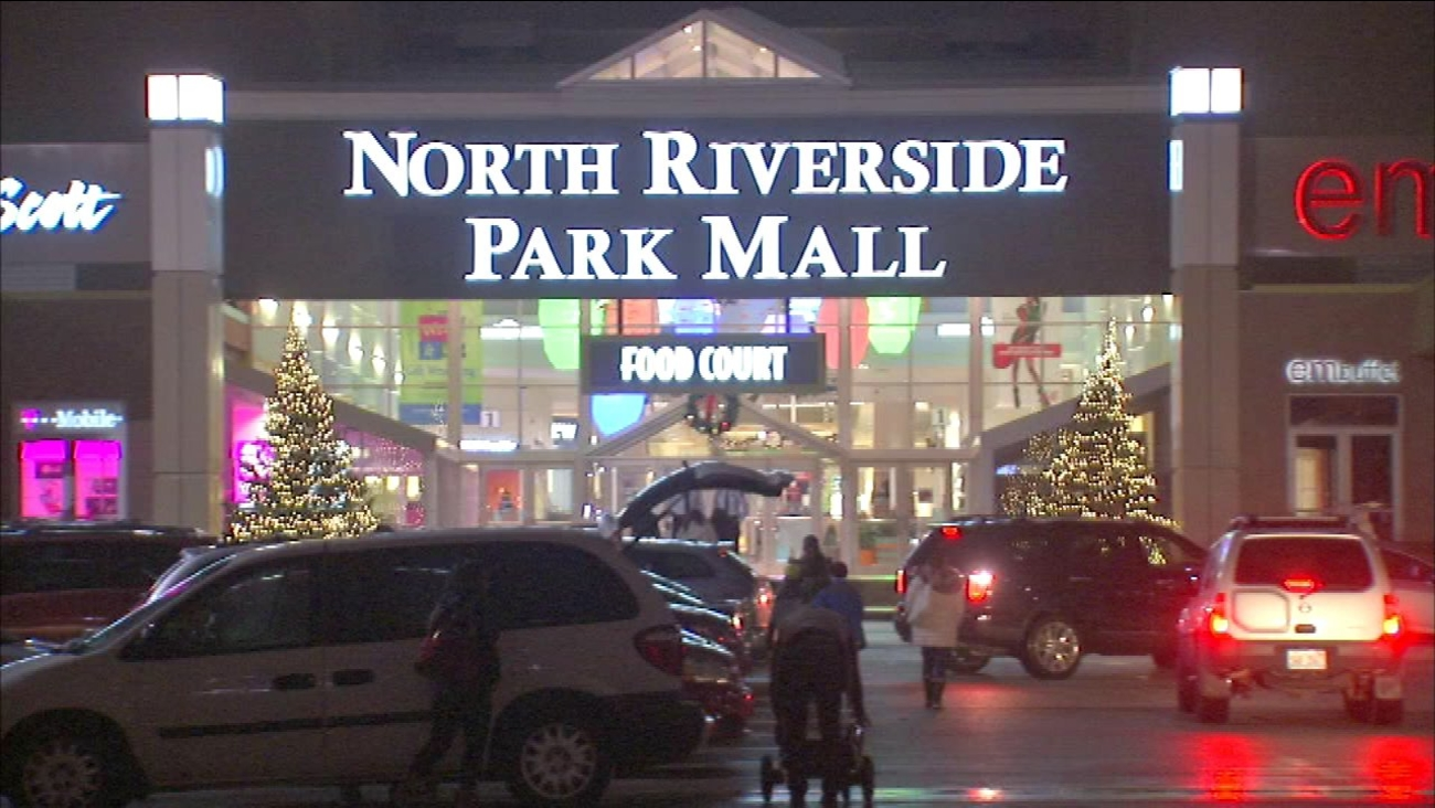 Fights Close Suburban Mall During After Christmas Sale Abc7chicagocom