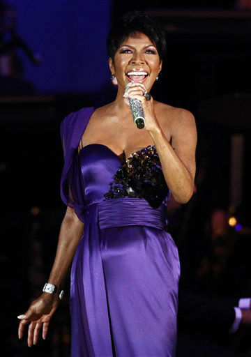 """<div class=""""meta image-caption""""><div class=""""origin-logo origin-image none""""><span>none</span></div><span class=""""caption-text"""">Singer Natalie Cole performs at the Hollywood Bowl in Los Angeles on Wednesday, Sept. 9, 2009. (AP Photo/Matt Sayles) (AP Photo/ Matt Sayles)</span></div>"""