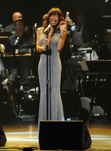 """<div class=""""meta image-caption""""><div class=""""origin-logo origin-image none""""><span>none</span></div><span class=""""caption-text"""">Natalie Cole at the Apollo Theater Spring Gala and 80th Anniversary Celebration in 2014 in New York City. (Photo by Brad Barket]/Invision for /AP Images) (Photo/Brad Barket)</span></div>"""