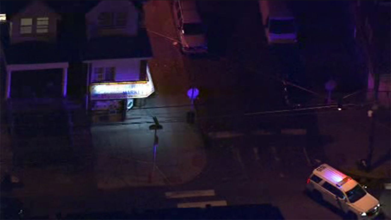 Woman and man injured in Frankford shootings