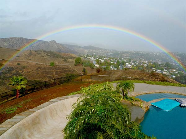 """<div class=""""meta image-caption""""><div class=""""origin-logo origin-image kabc""""><span>KABC</span></div><span class=""""caption-text"""">ABC7 viewer John Campbell shared this photo of a rainbow from West Hills on Wednesday, Jan. 6, 2016. (ABC7 viewer John Campbell)</span></div>"""