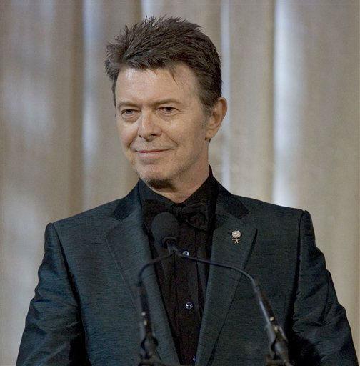 "<div class=""meta image-caption""><div class=""origin-logo origin-image none""><span>none</span></div><span class=""caption-text"">David Bowie attends an awards show June 5, 2007 in New York.(AP Photo/Stephen Chernin) (AP Photo/ STEPHEN CHERNIN)</span></div>"