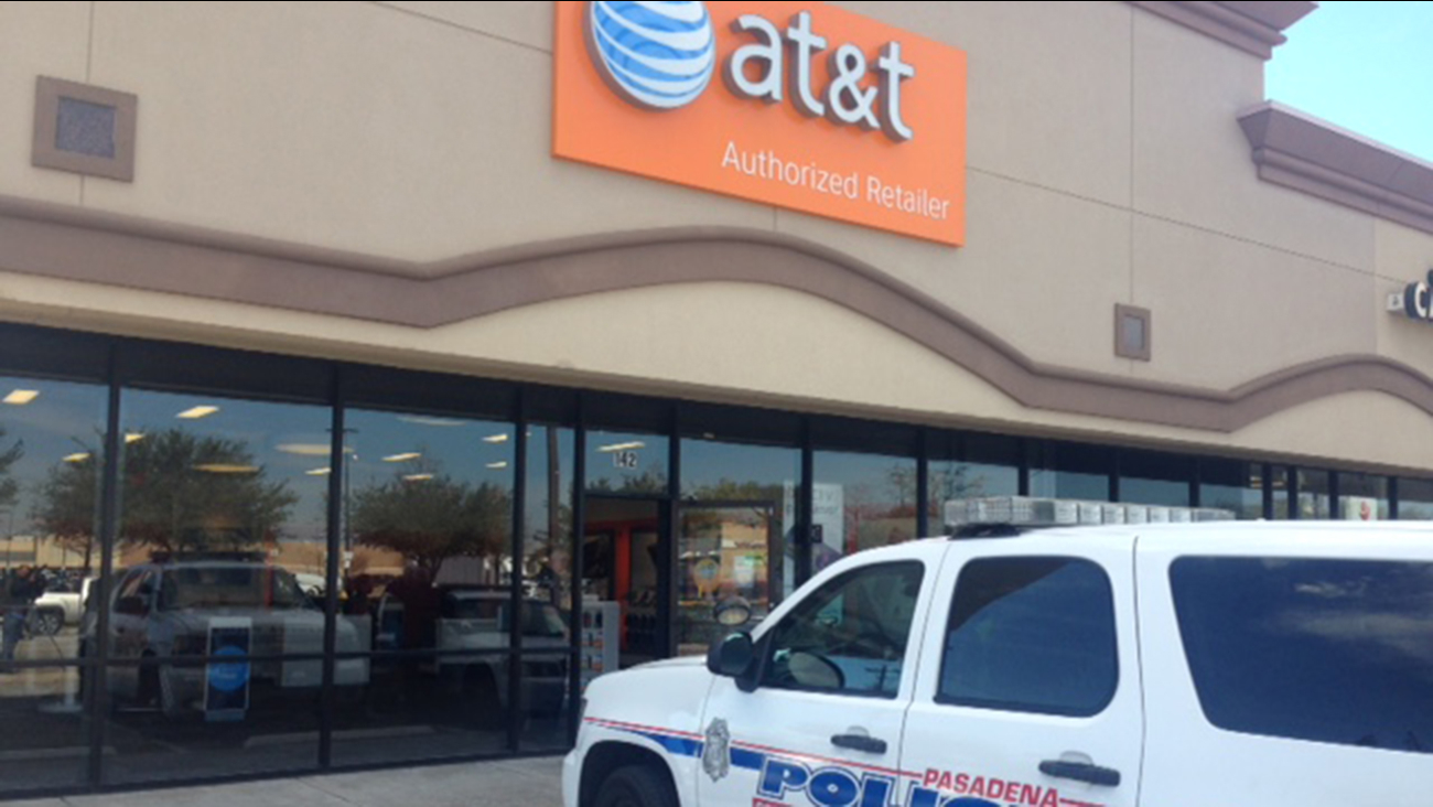 Pasadena police outside the AT&T store following the robbery