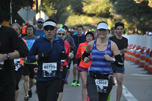 "<div class=""meta image-caption""><div class=""origin-logo origin-image none""><span>none</span></div><span class=""caption-text"">Runners along the course of the Chevron Houston Marathon and Aramco Houston Half-Marathon, Sunday, January 17, 2016. (KTRK Photo/ Gina Larson)</span></div>"