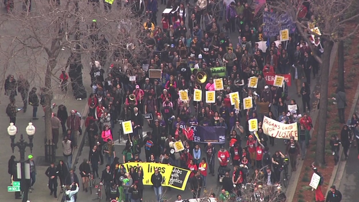 "<div class=""meta image-caption""><div class=""origin-logo origin-image none""><span>none</span></div><span class=""caption-text"">Activists march through Oakland, Calif., on Monday, January 18, 2016, for the ""96 Hours of Direct Action to Reclaim King's Radical Legacy"" part of the ""Reclaim MLK Weekend."" (KGO-TV)</span></div>"