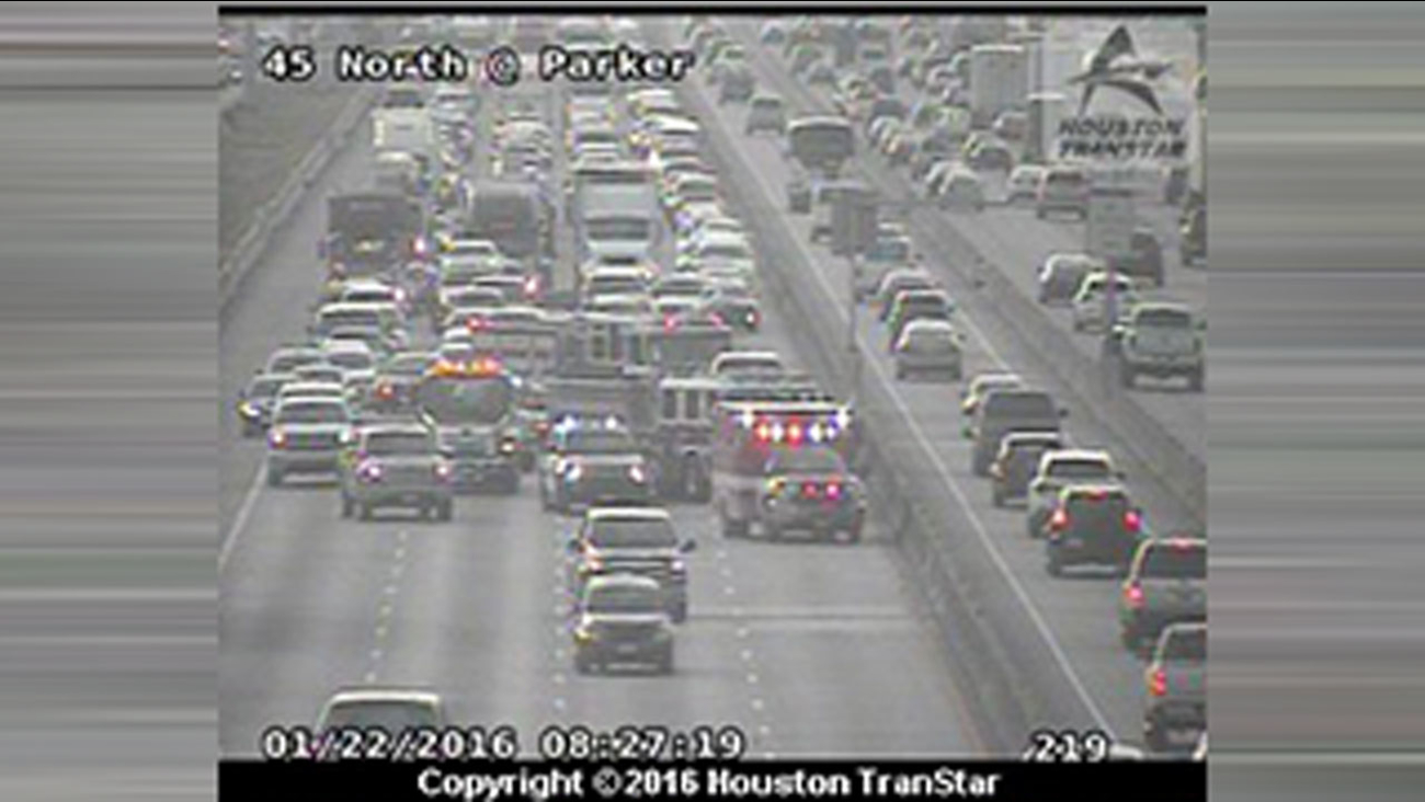 Multi Vehicle Accident Slows Traffic On North Fwy At Parker Road Abc13 Com