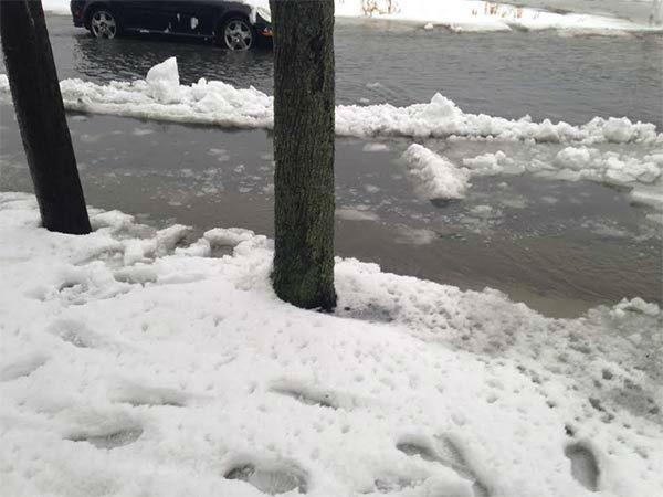 "<div class=""meta image-caption""><div class=""origin-logo origin-image none""><span>none</span></div><span class=""caption-text"">Pictured: Flooding in Atlantic City</span></div>"