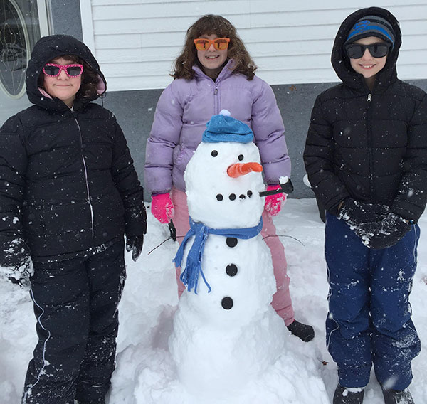 """<div class=""""meta image-caption""""><div class=""""origin-logo origin-image none""""><span>none</span></div><span class=""""caption-text"""">The Pedricks keep it cool in Williamstown, New Jersey. (Action News Viewer)</span></div>"""