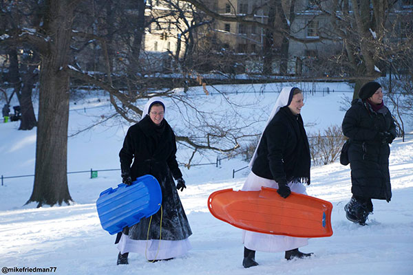 "<div class=""meta image-caption""><div class=""origin-logo origin-image none""><span>none</span></div><span class=""caption-text"">A group of nuns enjoyed the blizzard by going sledding in Central Park in New York City. (mikefriedman77/Twitter/ABC News)</span></div>"