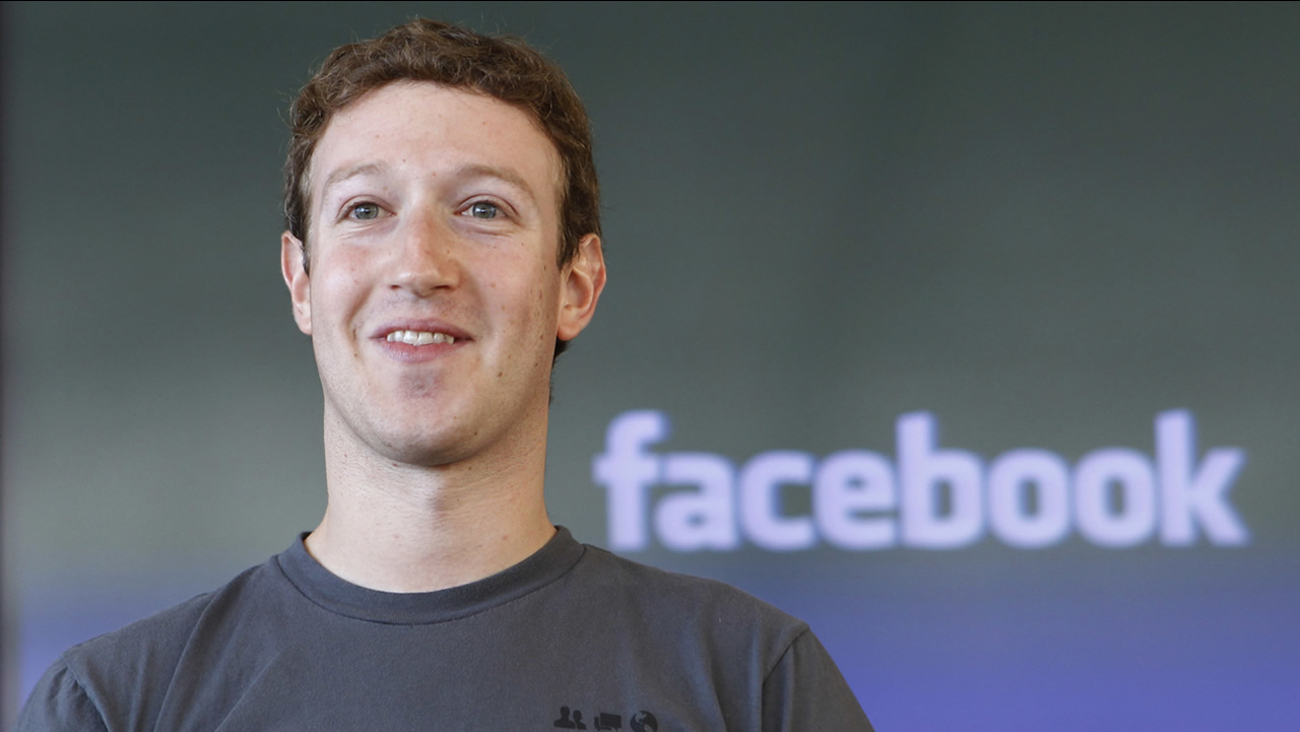 In this Nov. 15, 2010 file photo shows Facebook CEO Mark Zuckerberg smiling at an announcement in San Francisco. (AP Photo/Paul Sakuma, file)
