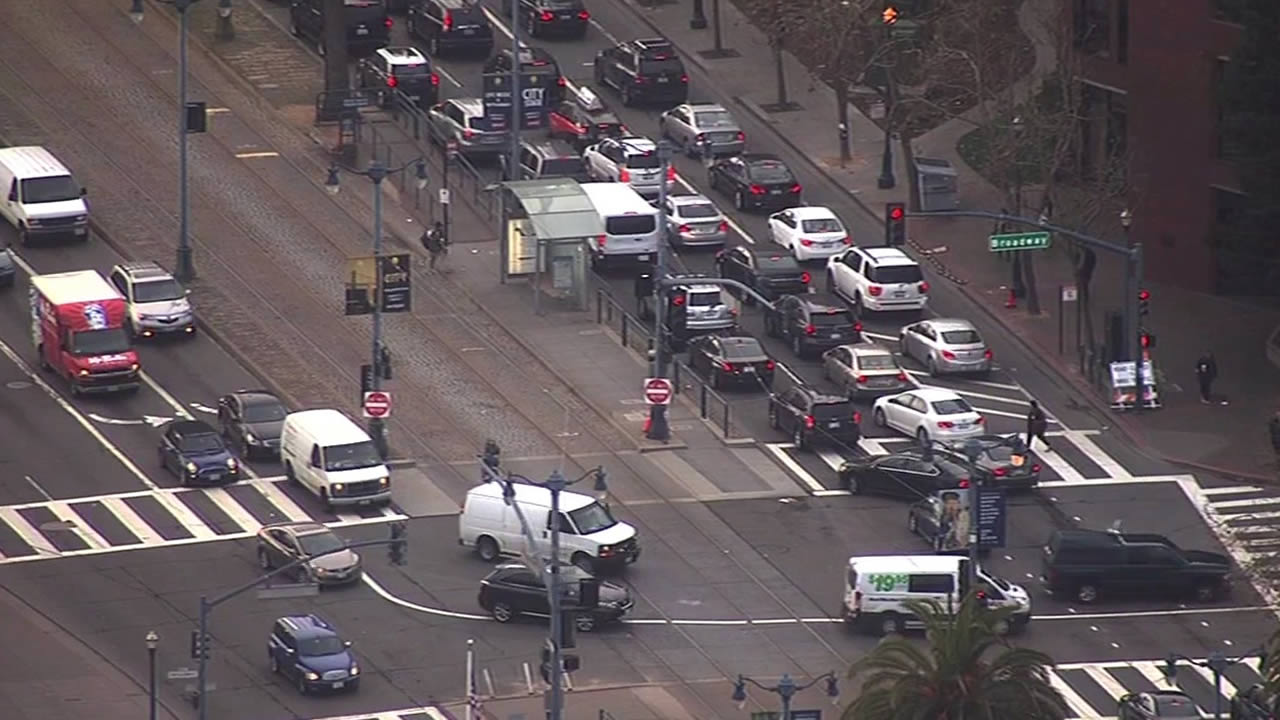 """<div class=""""meta image-caption""""><div class=""""origin-logo origin-image none""""><span>none</span></div><span class=""""caption-text"""">Traffic near Broadway Street and the Embarcadero impacted by Super Bowl 50 construction on Monday, Jan. 25, 2016. (KGO-TV)</span></div>"""
