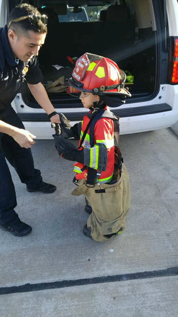 "<div class=""meta image-caption""><div class=""origin-logo origin-image none""><span>none</span></div><span class=""caption-text"">Firefighter Jose Munoz made the day of a lonely 6-year-old Saturday.</span></div>"
