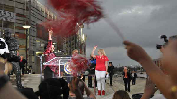 """<div class=""""meta image-caption""""><div class=""""origin-logo origin-image none""""><span>none</span></div><span class=""""caption-text"""">University of Houston celebrated the team's Peach Bowl victory with an event on campus in front of TDECU Stadium. (KTRK Photo/ Markus Garcia)</span></div>"""