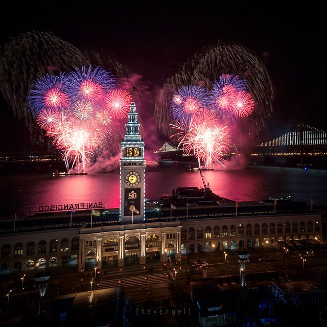 "<div class=""meta image-caption""><div class=""origin-logo origin-image none""><span>none</span></div><span class=""caption-text"">Super Bowl 50 kicks off with fireworks over the bay on Saturday, Jan. 30, 2016. (Photo sent to KGO-TV by heyengel/Instagram)</span></div>"