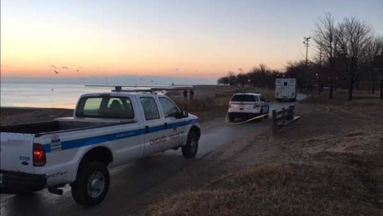 Chicago police are conducting a death investigation after a man's body was found along Lake Michigan near West Touhy Avenue.