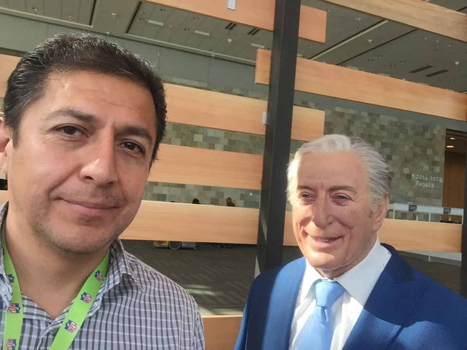 "<div class=""meta image-caption""><div class=""origin-logo origin-image none""><span>none</span></div><span class=""caption-text"">ABC7 videographer Juan Carlos Guerrero took a selfie with a wax figurine of Tony Bennett in San Francisco on Thursday, February 4, 2016. (KGO-TV)</span></div>"