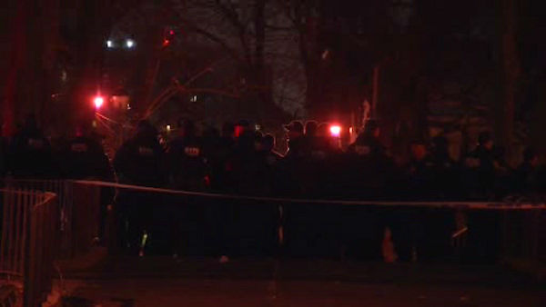 """<div class=""""meta image-caption""""><div class=""""origin-logo origin-image none""""><span>none</span></div><span class=""""caption-text"""">Two NYPD officers were shot and injured at the Melrose Houses in the Bronx on Thursday night. (WABC Photo/ WABC)</span></div>"""