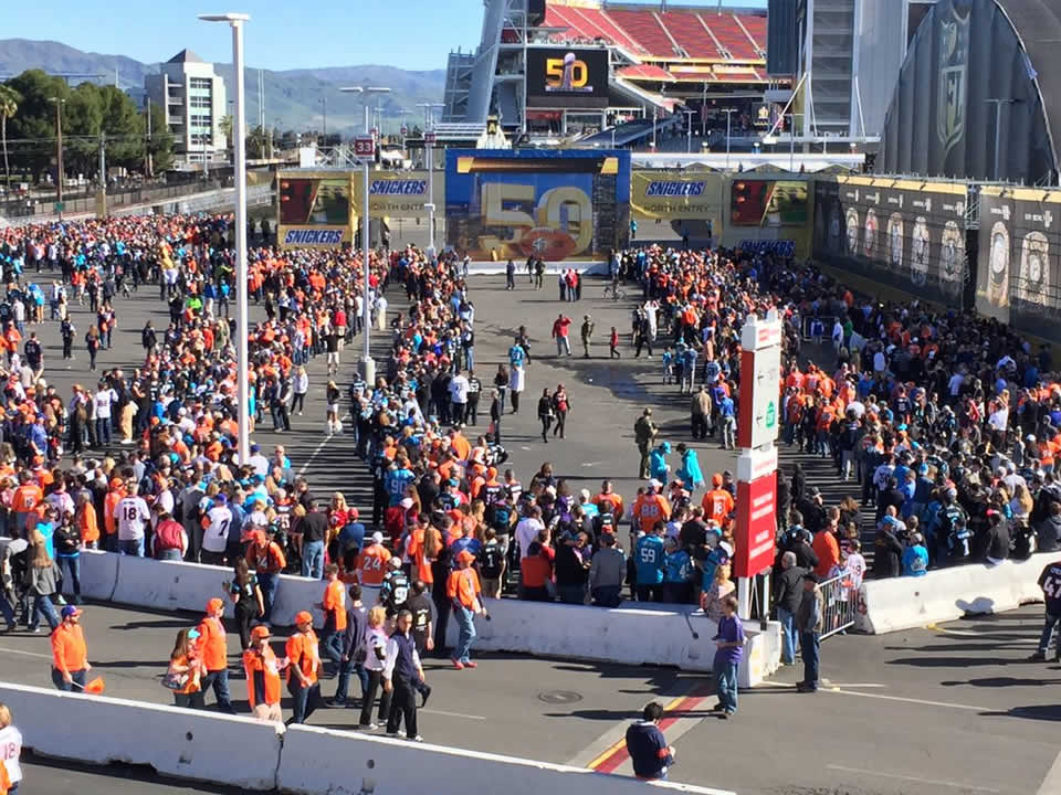 "<div class=""meta image-caption""><div class=""origin-logo origin-image none""><span>none</span></div><span class=""caption-text"">Crowds gather early at Levi's Stadium in Santa Clara, Calif. ahead of Super Bowl 50 on Sunday, February 7, 2016. (KGO-TV)</span></div>"