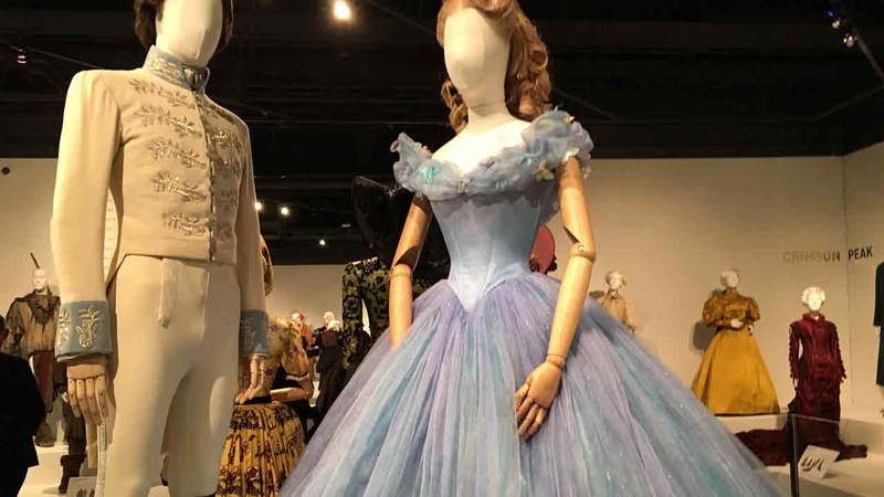 Costume Exhibit At Fidm Features Clothes From Oscar Nominated Films Abc7 Los Angeles