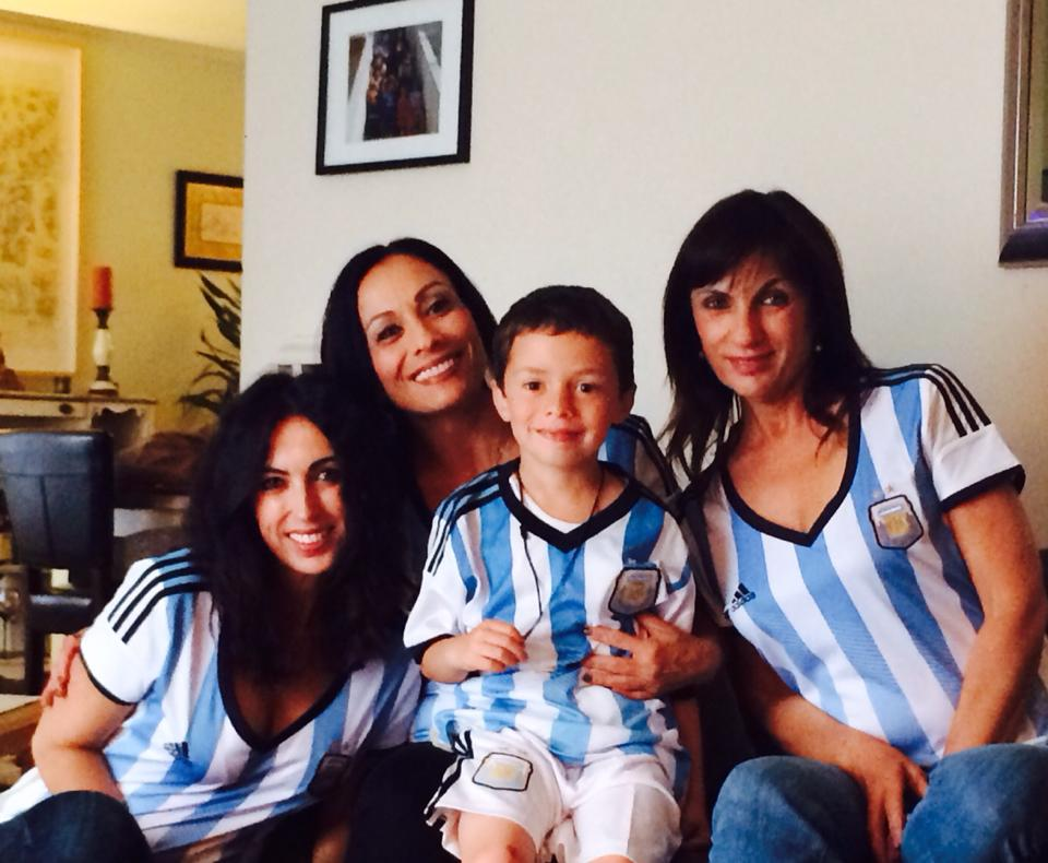 "<div class=""meta image-caption""><div class=""origin-logo origin-image ""><span></span></div><span class=""caption-text"">Go Argentina! World Cup celebrations are happening all around the Bay Area. Send your photos to uReport@kgo-tv.com! (photo submitted Isabel Gutierrez via Facebook)</span></div>"