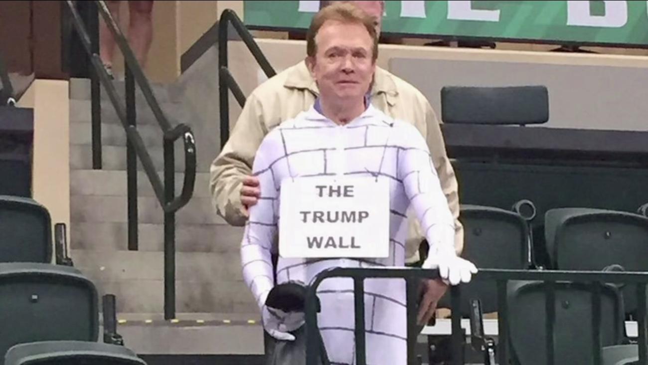 Trump Wall costume