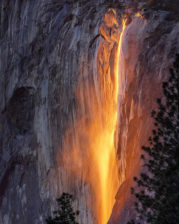 "<div class=""meta image-caption""><div class=""origin-logo origin-image none""><span>none</span></div><span class=""caption-text"">This image taken in February 2016 shows the waterfall at Horsetail Falls in Yosemite National Park illuminated by the sunset. (Photo submitted to KGO-TV by @vjclickz/Instagram)</span></div>"
