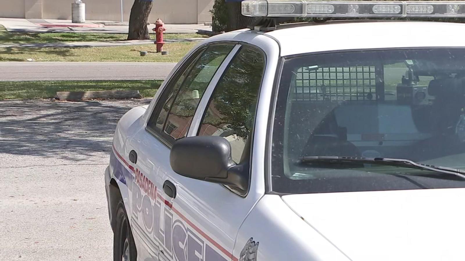 Pasadena Police Officer anklaget for at have sex I patruljevogn Abc13Com-9892