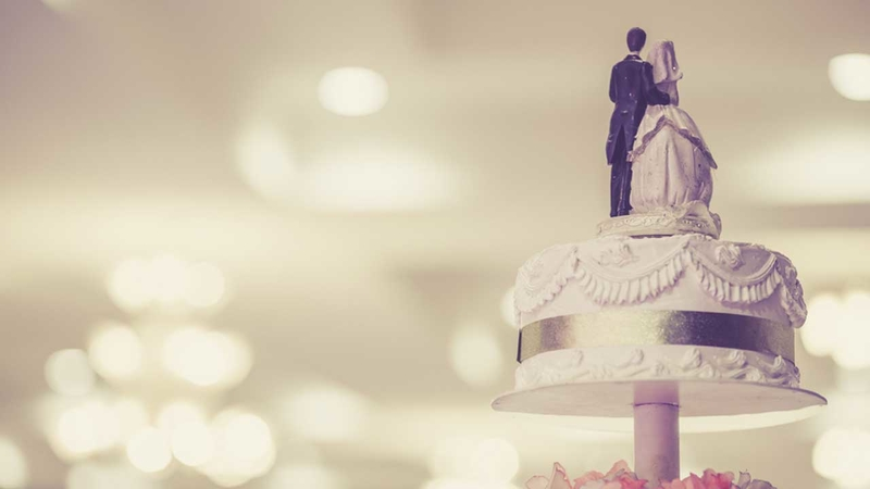 How Much To Spend On A Wedding Gift.Wedding Gift Guide