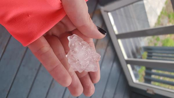 "<div class=""meta image-caption""><div class=""origin-logo origin-image none""><span>none</span></div><span class=""caption-text"">Golf ball and dime sized hail in creedmoor nc (ABC11 Eyewitness/Katherine Bevis)</span></div>"