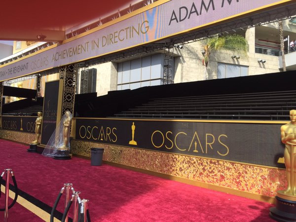"""<div class=""""meta image-caption""""><div class=""""origin-logo origin-image none""""><span>none</span></div><span class=""""caption-text"""">Here's a look at Hollywood Boulevard in front of the Dolby Theater in Los Angeles on Saturday, February 27, 2016, as the red carpet is set. (KGO-TV/Matt Keller)</span></div>"""