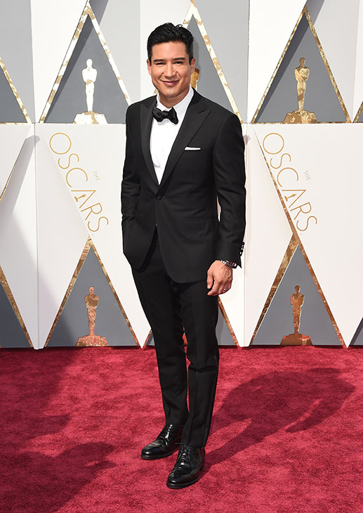 "<div class=""meta image-caption""><div class=""origin-logo origin-image ap""><span>AP</span></div><span class=""caption-text"">Mario Lopez arrives at the Oscars on Sunday, Feb. 28, 2016, at the Dolby Theatre in Los Angeles. (Jordan Strauss/Invision/AP)</span></div>"