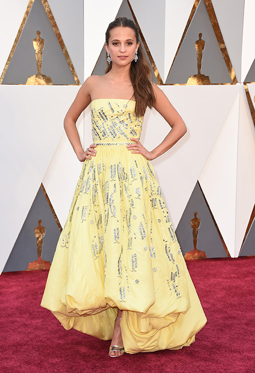 "<div class=""meta image-caption""><div class=""origin-logo origin-image ap""><span>AP</span></div><span class=""caption-text"">Alicia Vikander arrives at the Oscars on Sunday, Feb. 28, 2016, at the Dolby Theatre in Los Angeles. (Jordan Strauss/Invision/AP)</span></div>"