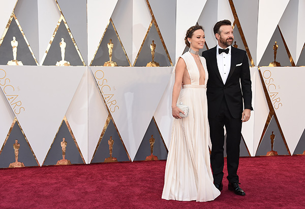 "<div class=""meta image-caption""><div class=""origin-logo origin-image ap""><span>AP</span></div><span class=""caption-text"">Olivia Wilde, left, and Jason Sudeikis arrive at the Oscars on Sunday, Feb. 28, 2016, at the Dolby Theatre in Los Angeles. (Jordan Strauss/Invision/AP)</span></div>"