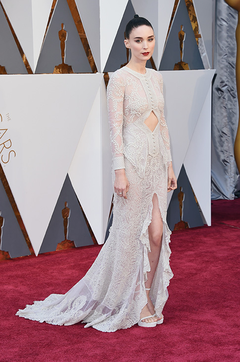 "<div class=""meta image-caption""><div class=""origin-logo origin-image none""><span>none</span></div><span class=""caption-text"">Actress Rooney Mara attends the 88th Annual Academy Awards at Hollywood & Highland Center on February 28, 2016 in Hollywood, California.. (Jason Merritt/Getty Images)</span></div>"