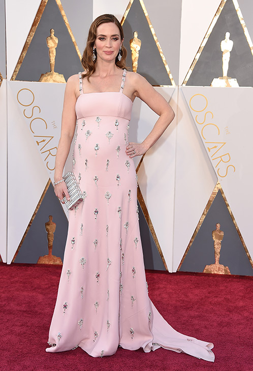 "<div class=""meta image-caption""><div class=""origin-logo origin-image ap""><span>AP</span></div><span class=""caption-text"">Emily Blunt arrives at the Oscars on Sunday, Feb. 28, 2016, at the Dolby Theatre in Los Angeles. (Jordan Strauss/Invision/AP)</span></div>"