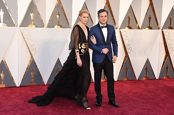 "<div class=""meta image-caption""><div class=""origin-logo origin-image ap""><span>AP</span></div><span class=""caption-text"">Sunrise Coigney, left, and Mark Ruffalo arrive at the Oscars on Sunday, Feb. 28, 2016, at the Dolby Theatre in Los Angeles. (Jordan Strauss/Invision/AP)</span></div>"
