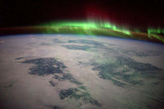 <div class='meta'><div class='origin-logo' data-origin='none'></div><span class='caption-text' data-credit='@StationCDRKelly/ NASA'>A stunning view over Canada</span></div>
