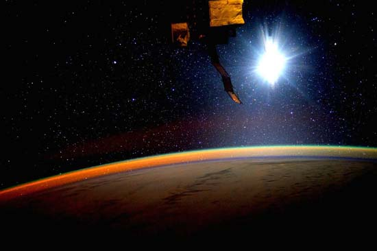 <div class='meta'><div class='origin-logo' data-origin='none'></div><span class='caption-text' data-credit='@StationCDRKelly/ NASA'>Sunset from the space station</span></div>