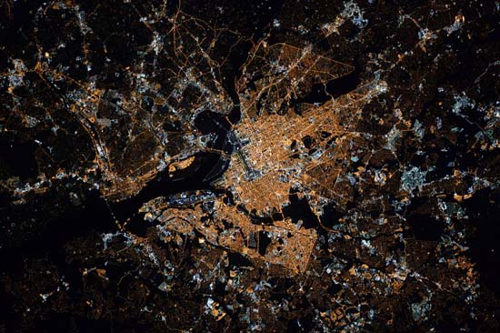 <div class='meta'><div class='origin-logo' data-origin='none'></div><span class='caption-text' data-credit='@StationCDRKelly/ NASA'>Washington, DC</span></div>