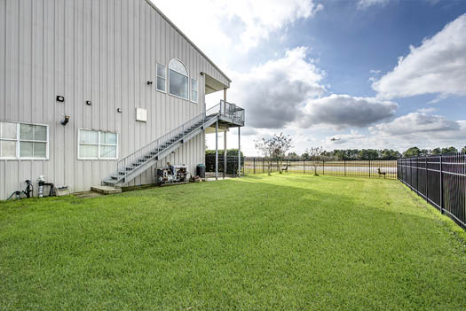 "<div class=""meta image-caption""><div class=""origin-logo origin-image none""><span>none</span></div><span class=""caption-text"">This Spring dwelling is half hangar, half home and an aviator's dream! (PHOTOS COURTESY OF Wade Blissard)</span></div>"