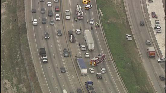 Naked Woman Shuts Down Highway 290  Abc7Chicagocom-1640