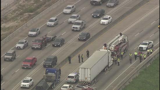 Naked Woman Shuts Down Highway 290  Abc7Chicagocom-3676