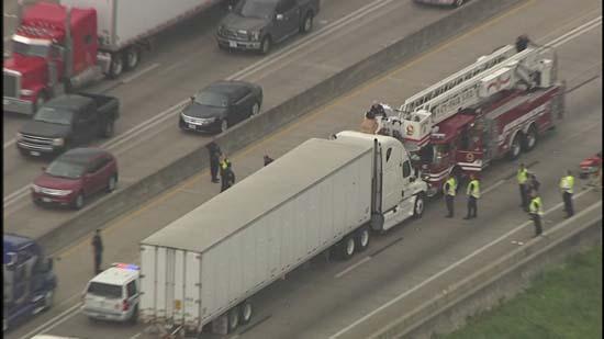 Naked Woman Shuts Down Highway 290  Abc7Chicagocom-8485