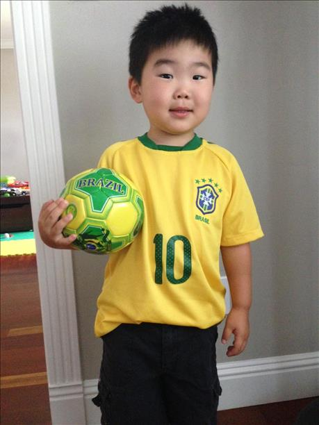 "<div class=""meta image-caption""><div class=""origin-logo origin-image ""><span></span></div><span class=""caption-text"">3-year-old Charlie from Los Altos is all ready for the games!  World Cup celebrations are happening all around the Bay Area.  Send your photos to uReport@kgo-tv.com (photo submitted via uReport)</span></div>"